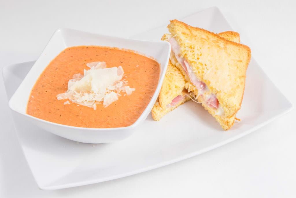Tomato Basil Soup_Copycat Recipe Cafe Zupas