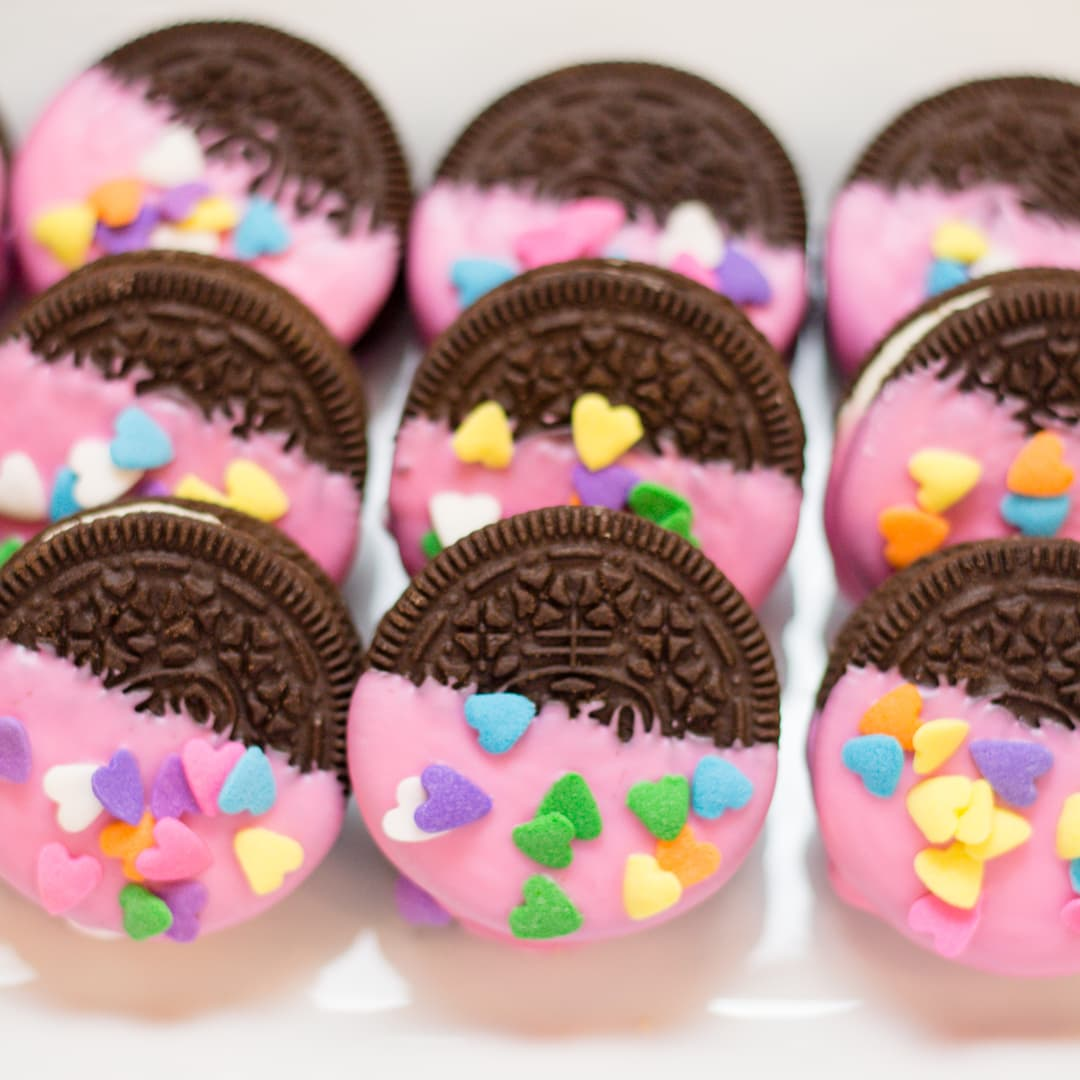 How to make Oreo Valentines with Pink Candy Wafers
