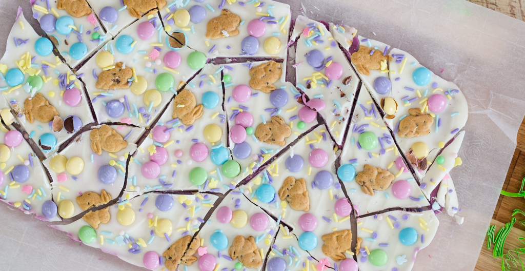 Bunny Cookie Bark ~ Almond Bark Recipes