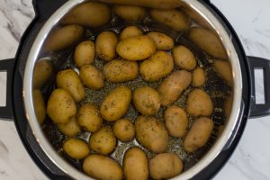 New Potatoes in Pressure Cooker with Seasonings