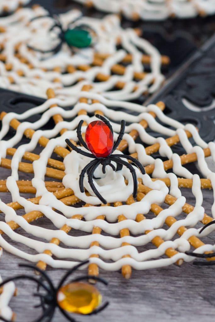 Halloween Pretzel Treat