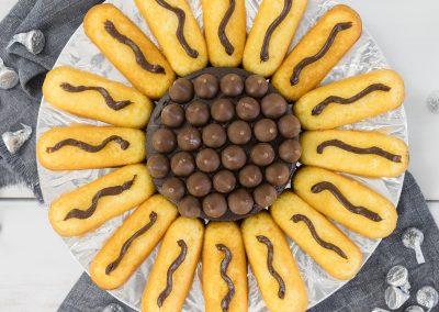 Fun Sunflower Cake